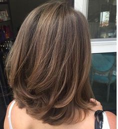 Best Haircut Shoulder Length Layers Ideas - Haircut Types Be Medium Hair Styles, Curly Hair Styles, Hair Medium, Short Bob Hairstyles, Hairstyle Short, Hairstyle Ideas, Asian Hairstyles Women, Layered Hairstyle, Spring Hairstyles