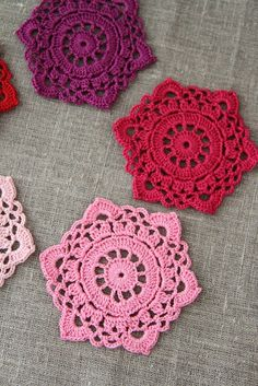 "Pack of 5, ""Hexagon"" crochet motives, ornaments in shades of pink, purple - by plushka on Craftumi"