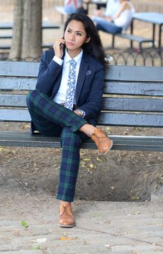 Nice dress with looks. - Nice dress with looks. Queer Fashion, Tomboy Fashion, Suit Fashion, Look Fashion, Fashion Outfits, Androgynous Fashion Women, Cheap Fashion, Dress Fashion, Fashion Trends