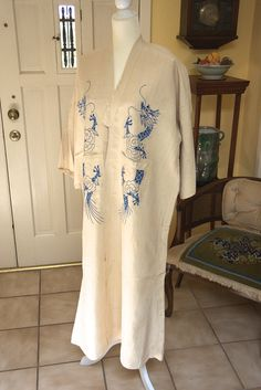 Vintage Haori ivory raw silk LG Men's or Unisex, dragon motif embroidery hand done,  almost sheer weave, likely hand loomed.
