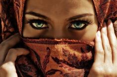 of the population of the world have green eyes. i wish i had bright green eyes :( Pretty Eyes, Cool Eyes, Cheveux Oranges, Eye Makeup, Hair Makeup, Look Into My Eyes, Eye Photography, Amazing Photography, Stunning Eyes