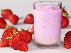 It is a smoothie time of year! For breakfast lunch or dinner this nutrient dense detox smoothie will fill you up optimize digestion and help you burn fat. Joeys Detox Smoothie It is a smoothie time of year! Protein Smoothies, Energy Smoothie Recipes, Whey Protein, Healthy Protein, Tofu Smoothie, Healthy Food, Banana Berry Smoothie, Raspberry Smoothie, Strawberry Smoothies