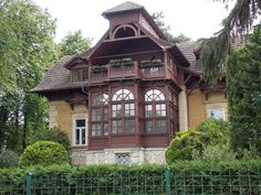 Merre érdemes flangálni Sopronban? - Élmény Nektek Merida, Hungary, Cabin, House Styles, Home Decor, Decoration Home, Cabins, Cottage, Interior Design