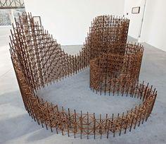 Instalação Eu Sempre Soube, 2010, minimontanha-russa de madeira, Nazareno