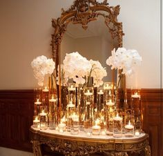 Entrance display table with champagne for guests