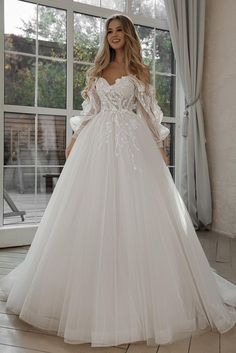 Cute Wedding Dress, Dream Wedding Dresses, Bridal Dresses, Wedding Gowns, Wedding Dress Sparkle, Glitter Wedding, Bride Gowns, Wedding Events, Lace Wedding