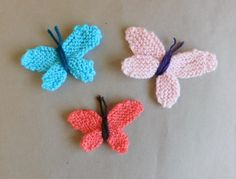 Baby Knitting Patterns Funny www. Knitted Flower Pattern, Knitted Flowers, Butterfly Pattern, Flower Patterns, Baby Knitting Patterns, Summer Knitting, Easy Knitting, Kids Knitting