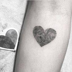 super Ideas tattoo frauen herz fingerabdruck – tattoos for women small Mini Tattoos, Love Tattoos, Beautiful Tattoos, Small Tattoos, Tattoos For Women, Hidden Tattoos, Tatoos, Design Tattoos, Couples Tattoo Designs