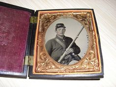1/6th plate ambrotype of armed Union soldier