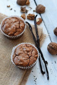 Cupcakes cu ciocolata (fara gluten) Gluten, Muffin, Cupcakes, Cookies, Breakfast, Desserts, Food, Crack Crackers, Morning Coffee