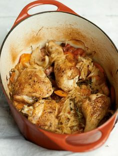 Rezept für Hähnchen-Sauerkraut-Topf bei Essen und Trinken. Und weitere Rezepte in den Kategorien Geflügel, Gemüse, Kräuter, Schwein, Hauptspeise, Braten (Fleisch), Suppen / Eintöpfe, Braten, Schmoren, Einfach.