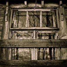 Shabby window #AteljeeAmnelin #art #photography #photographyart #artphotography #homedecor #home #interiordecor #sisustus #taide #valokuvataide #JohannaAmnelin