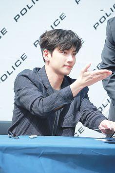 ❤❤ 지 창 욱 Ji Chang Wook ♡♡ that handsome and sexy look . Ji Chan Wook, Lee Dong Wook, Dong Yi, Actors Male, Actors & Actresses, Korean Celebrities, Korean Actors, Dramas, Ji Chang Wook Photoshoot
