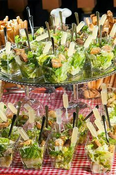 Wedding food catering brunch 34 ideas for 2019 Snacks Für Party, Appetizers For Party, Appetizer Recipes, Individual Appetizers, Party Canapes, Party Trays, High Tea, Tapas, Food And Drink