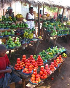 bananas, limes, tomatoes & gourds | original human grocery store | Uganda | #obesity #superstoresickness #whatareyoueating?