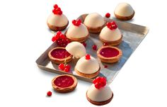 Mini cheesecake con cuore di ribes