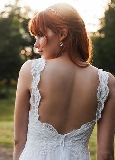 lace and chiffon beach wedding dress. bohemian lace wedding dress with chiffon skirt and side slit by batel boutique. Chiffon Skirt, Wedding Dresses, Lace Wedding, Marie, Feminine, Bohemian, Plus Belle, Urban, Lace