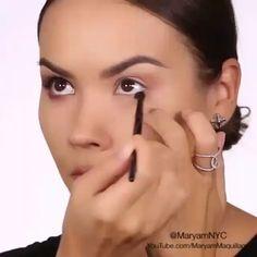 Hermoso look recreado con la nueva paleta dynasti de Motives Cosmetics........ Contactar al 0983375093 y si vives fuera de Ecuador puedes adquirir esta marca de maquillaje profesional a traves de http://ift.tt/1L7n8XN #dynastypalette #MotivesMavens #MotivesCosmetics #maquillajeprofesional #MaquillateConMotives #arelizacedbeauty #enviosanivelnacional #perfecteyes #amorporelmaquillaje via @angela4design by ilovemakeup_ec