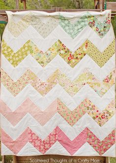 Make a chevron quilt the easy way! easy check out scateredthoughtsofacraftymom.com beautiful and easy