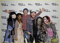 Scream at Knott's Scary Farm! Jared Leto puts on his scream face while posing with some ghouls on the red carpet at Knott's Scary Farm on Friday night (October 16) in Buena Park, Calif. The 43-year-old Oscar-winning actor enjoyed the frights at the event with his brother and Thirty Seconds to Mars band mate Shannon Leto.