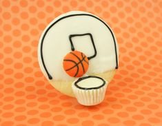 Basketball cookies with CandiQuik - recipe, directions & tutorial at blog.candiquik.com