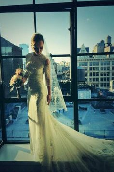 How beautiful does Christina Ricci look in her Givenchy wedding gown! Celebrity Wedding Photos, Celebrity Wedding Dresses, Wedding Dresses Photos, Celebrity Weddings, Wedding Pictures, Celebrity Style, Christina Ricci, Glamour, Givenchy Wedding Dress