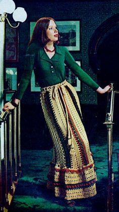 Fabulous Crochet a Little Black Crochet Dress Ideas. Georgeous Crochet a Little Black Crochet Dress Ideas. Seventies Fashion, 60s And 70s Fashion, Retro Fashion, Vintage Fashion, Moda Vintage, Vintage Mode, Vintage Skirt, Hippie Style, My Style