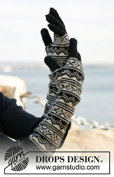 Ravelry: 131-14 Nordic Nights Gloves pattern by DROPS design