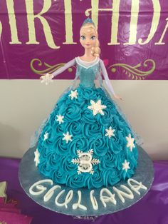 Birthday cake Doll ✅ Best 79 ideas of Birthday cake Doll 2019 with our website HD Recipes. Disney Princess Birthday Cakes, Elsa Birthday Party, Frozen Birthday Cake, Barbie Birthday, Cool Birthday Cakes, Princess Cakes, Frozen Party, Bolo Frozen, Frozen Doll Cake