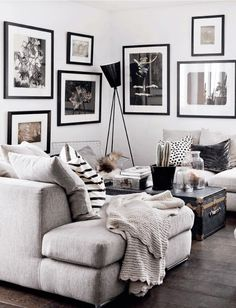 3 Interesting Simple Ideas: Natural Home Decor Living Room Woods natural home decor living room spaces.All Natural Home Decor Essential Oils natural home decor living room texture.Natural Home Decor Ideas Living Rooms. Cozy Living Rooms, Living Room Grey, Apartment Living, Home And Living, Living Room Decor, Small Living, Modern Living, Dark Floor Living Room, Monochromatic Living Room