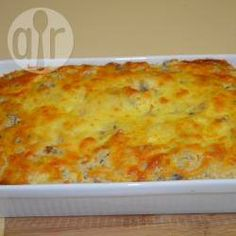 Unlike most tuna bakes that use pasta this one uses rice. It has a unique puffy and light quality with subtle flavours. Tinned Tuna Recipes, Salmon Recipes, Fish Recipes, Seafood Recipes, Tuna Dishes, Fish Dishes, Savoury Dishes, Healthy Eating Recipes, Gratin