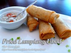 Lumpiang ubod or spring roll with heart of palm filling is usually served fresh, without frying. #FriedLumpia #LumpiangUbod Filipino Recipes, Asian Recipes, Ethnic Recipes, Filipino Food, Filipino Dishes, Lumpia Recipe, Pinoy Recipe, Easy To Make Appetizers, Pinoy Food