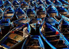 Boats. National Geographic photo contest 2016 Photographie National Geographic, National Geographic Fotos, National Geographic Photo Contest, National Geographic Photography, Lombard Street, Travel Pictures, Travel Photos, Cool Pictures, New Hampshire