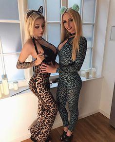 YouTube Channel Takeover! Katja Krasavice führt mich an der Leine durchs Kaufhaus! Spenden sammeln für das Tierheim Leipzig! Zum Video-> Bio! #spenden #leipzig #tierheim #katjakrasavice #mydirtyhobby #lucycat #katze #katzen #leine #blondine #blondie #sexy #bitches Leopard Catsuit, Sexy Outfits, Spandex Catsuit, Hot Girls, Youtube, Jumpsuit, Beautiful Women, Celebs, Womens Fashion