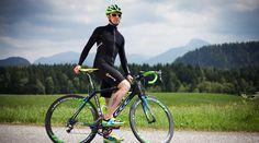Kompressions-Radbekleidung von Skins im Athleten-Test