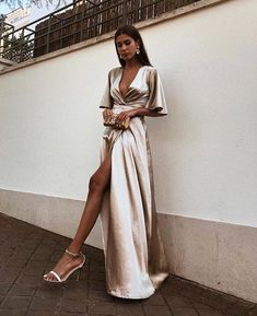 A-Line Deep V-Neck Cheap Modest Satin Evening Prom Dress with Split, A-Line Deep V-Neck Cheap Modest Satin Evening Prom Dress with Split, A-line tiefem V-Ausschnitt billig bescheidenen Satin Abendkleid mit Split, Trendy Dresses, Elegant Dresses, Beautiful Dresses, Fashion Dresses, Womens Formal Dresses, Modest Fashion, Prom Dresses With Sleeves, Ball Dresses, Prom Dresses Silk