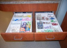 Tidy & organized hospital areas are very important, as well as offer numerous cost saving benefits. Check out our favorite veterinary storage solutions. Veterinary Care, Veterinary Medicine, Veterinary Technician, Veterinarian Office, Vet Office, Vet Assistant, Hospital Design, Pet Hospital, Hospital Photos