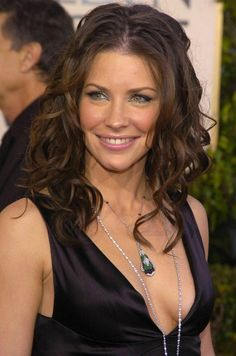 Matthew Fox and Evangeline Lilly Photo: Evangeline Nicole Evangeline Lilly, Evangeline Lilly Bikini, Matthew Fox, Star Wars, Canadian Actresses, Beauty Consultant, Glamour, Latest Images, Bikini Photos