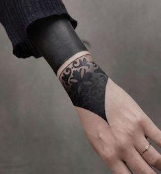 Search inspiration for a Blackwork tattoo. Hand Tattoos, Arm Tattoo, Body Art Tattoos, Sleeve Tattoos, Cool Tattoos, Black Sleeve Tattoo, Gypsy Tattoos, Abdomen Tattoo, Script Tattoos