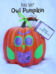 This is a sponsored post written by me on behalf of Duck Brand provided by ShurTech Brands, LLC for SocialSpark. All opinions are 100% mine. Carving pumpkins is always lots of fun but this Halloween I also did something a bit different and decorated pumpkins with Duck BrandDuck Tape®. Owl pumpkins were the perfect centerpiece …