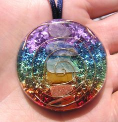 7 Chakras Orgone Crystal Healing Pendant by mysticrocksorgone 7 Chakras, Clear Quartz Crystal, Crystal Healing, Diy Resin Crafts, Resin Art, Uv Resin, Resin Jewelry, Jewellery, Rocks And Minerals