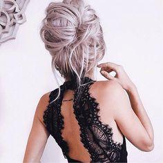 Cabelo loiro 😍🍾🍸 #blondhair #pretty #beauty #hair #beleza #cabelo #blogger #carolinebeltrame.com.br #bloggerstyle #fashionblogger #fashiongram #lifestyle #pink #blog #trendy #beautyblogger #osasco #saopaulo #bblogger #fashion #moda #glam #blogueirasbrasil #brasil . . . . . www.carolinebeltrame.com.br