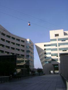 WTCB- World Trade Center - Barcelona. Centre de convencions i oficines.    El World Trade Center Barcelona te una posició privilegiada al Moll de Barcelona, also. El WTCB va ser dissenyat per l'arquitecte americà Henry N. Cobb en forma de vaixell, fent Be comfortable and productive while you work ...