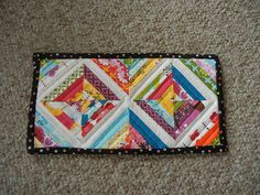 mini string block mug rug