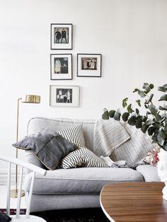 http://www.indieinterior.com/apartment-reviews/linnestaden-bright-and-blue-grey-apartment-for-sale Source: Stadshem  (with kind permission)Photo: © Jonas Berg