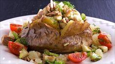 En bakt potet kan serveres med all slags fyll. Et veldig enkelt alternativ er å…