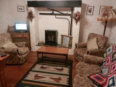 Cottage 4 Lounge Pine Dresser, Double Room, Vanity Units, Two Bedroom, Ground Floor, King Size, Dining Area, Basin, Lounge