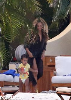 How cute are Beyonce and baby Blue?!