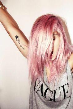 Cabelos pink                                                                                                                                                                                 Mais