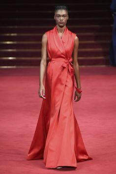 Alexis Mabille Couture Frühjahr/Sommer 2018 #Vogue #Fashionshow #hautecouture #style #red #runway #dress #Design #AlexisMabilleCouture